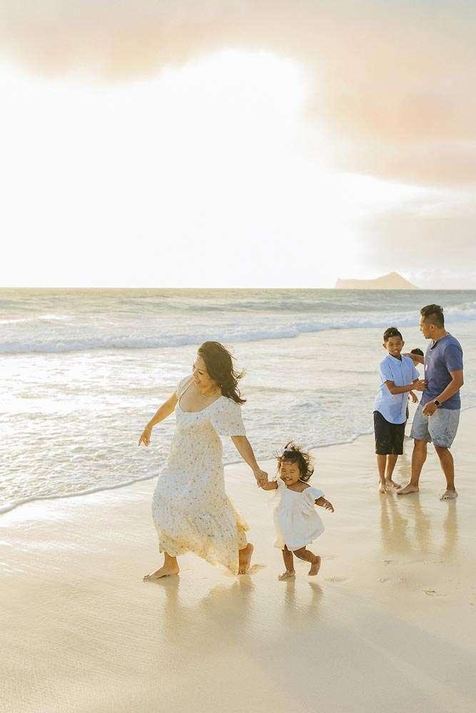 family beach photographer honolulu