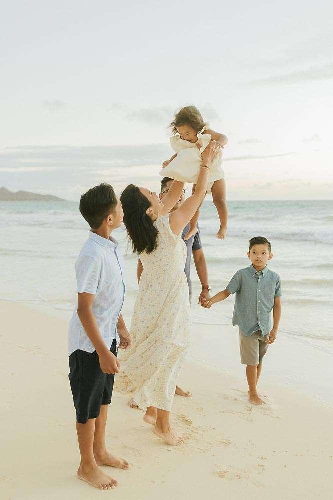 family photographer honolulu beach portraits