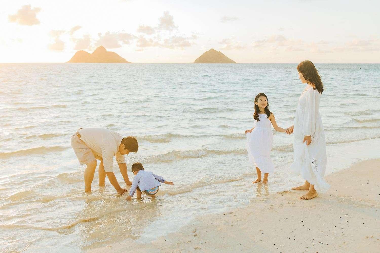 family photography session lanikai beach oahu