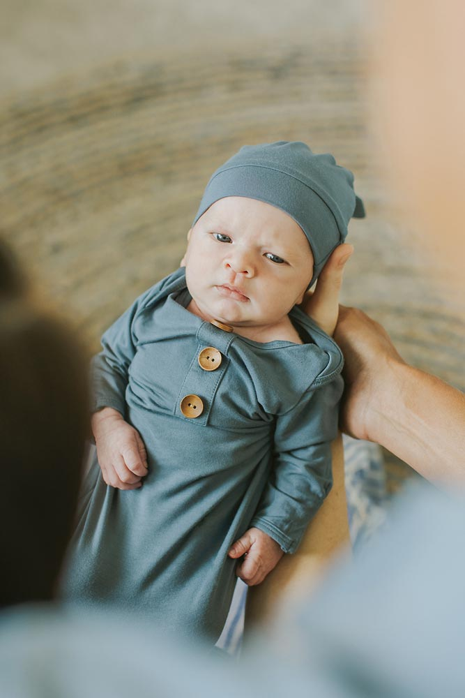 oahu in home lifestyle newborn photos